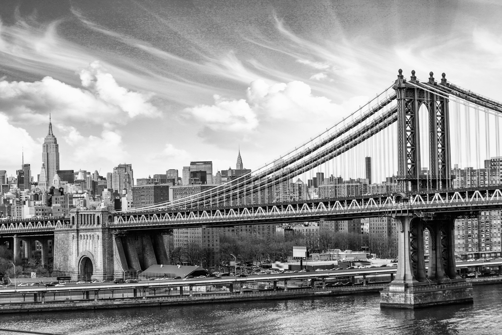 nostalgic image of Brooklyn Bridge